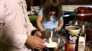 Robert Rodriguez 10 Minute Cooking School: Volcano Cookies