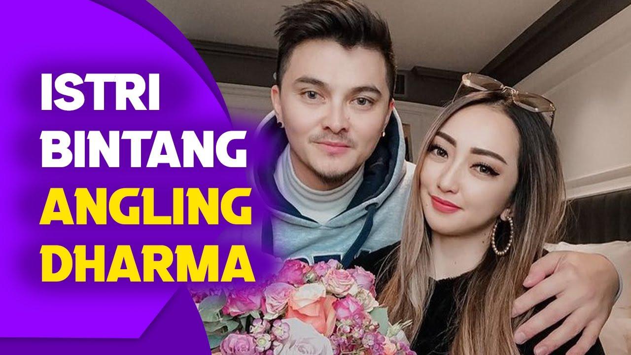 Download Pesona Regina Saschia, Istri Bintang Angling Dharma