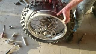 Jak přezout moto pneu
