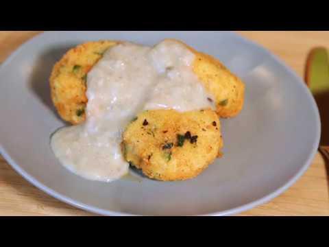 Картофельные котлеты  с грибным соусом.