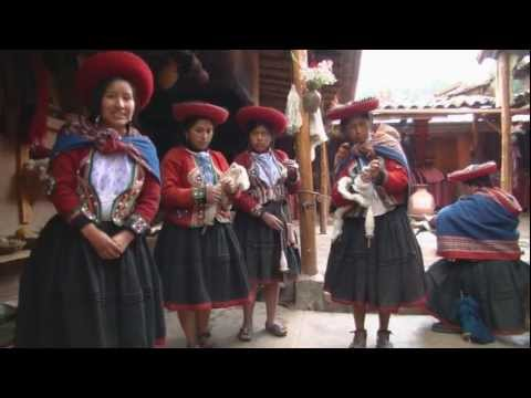 Quechua video: Peruvian fabrics and dyeing presentation; Eng, Spa, Que captions