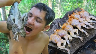Yummy Cooking a lot Frog Recipe for Dinner in forest