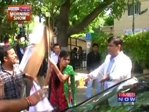 Forced To Watch His Wife Raped(10:58am)Kaynak: YouTube · Süre: 2 dakika55 saniye