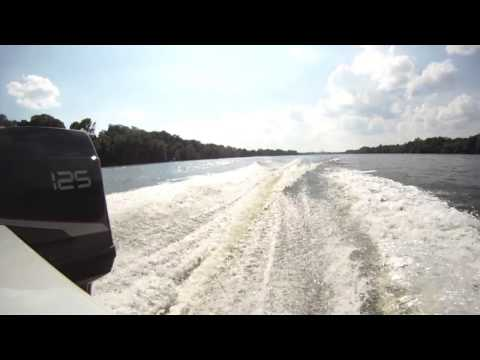 1988 Maxum 20ft boat and its first rip up the delaware river, 125hp force chrysler outboard go pro