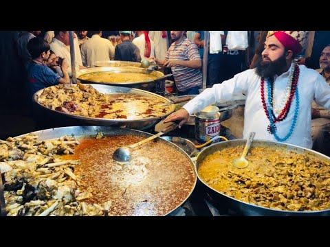 Akbar Jee Siri Paye - Kartarpura Street Food Rawalpindi | Chickpea With Boiled Eggs | Murgh Chole