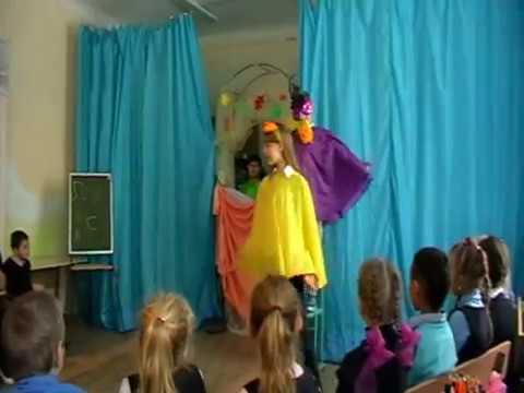 """Изображение предпросмотра прочтения – «Театр кукол """"Светлячок""""» читают произведение «Ворона и Лисица» И.А.Крылова"""