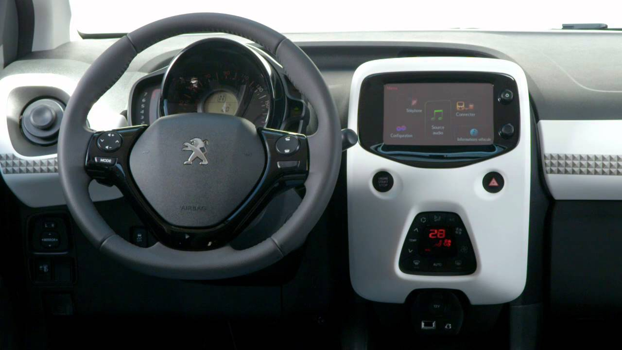 Interieur peugeot 108 officiel youtube for Interieur peugeot 108