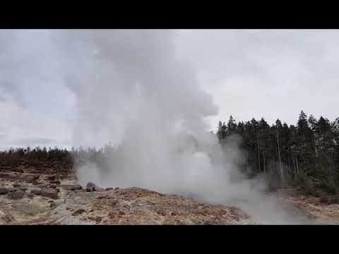 Steamboat geyser at Yellowstone 6/15/2018 4.55pm major eruption