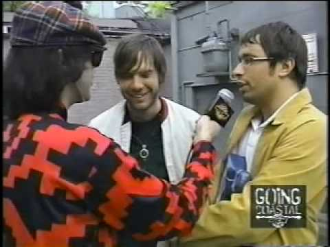 Nardwuar vs. Peter Bjorn and John