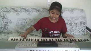 Nandini playing on keyboard Haule Haule Rab Ne Bana Di Jodi