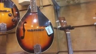 Jalan jalan ke toko gitar : Wijaya Musik Jakarta