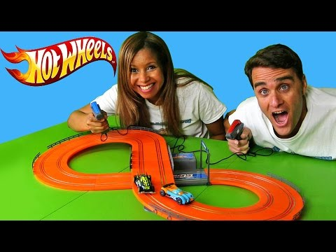 Hot Wheels Slot Car Race + Mystery Model Blind Bags!   | Blind Bag Show Ep51 || Konas2002