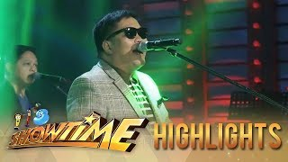 It's Showtime: Jugs Jugeuta kicks off the show with Ely Buendia and the Itchyworms