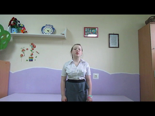 Изображение предпросмотра прочтения – ЛизаПрокопьева читает произведение «Папе на фронт» Е.А.Благининой
