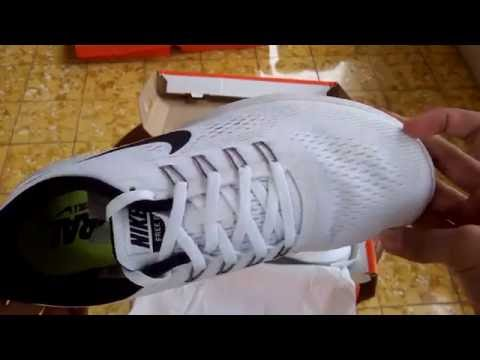 Sepatu Lari Nike Wmns Nike Free Run White Black Unboxing