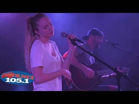 Danielle Bradbery - Worth It (Live)