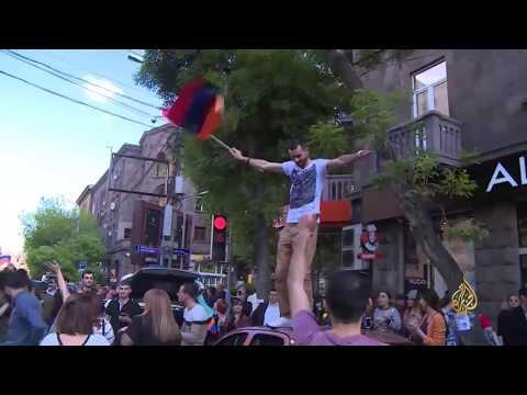 رئيس وزراء أرمينيا يستقيل بضغط من المعارضة