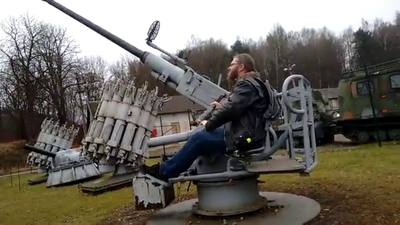 how to use a swedish bofors warship cannon 40mm m 48. Black Bedroom Furniture Sets. Home Design Ideas