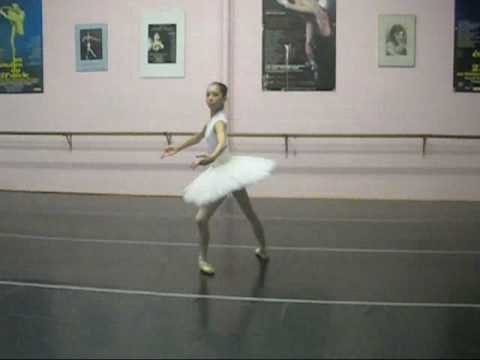 14 Year old Alys Shee's 8 Pirouettes