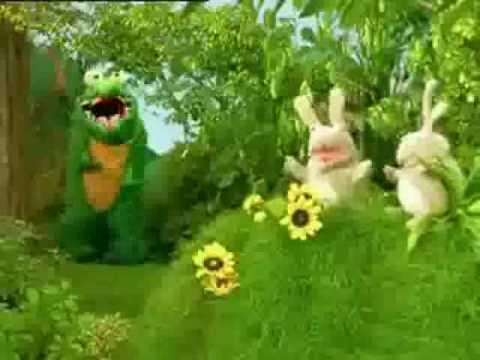 Alligator killing puppets