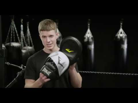 Choosing The Right Punch Mitt With Everlast