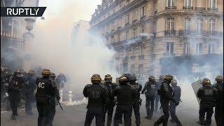 Ранения, погромы и столкновения с полицией: в Париже акция «жёлтых жилетов» переросла в беспорядки