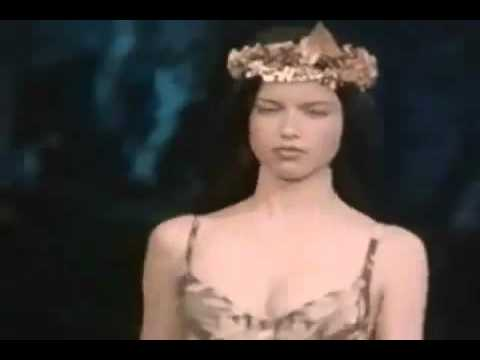 df9801ac5d Adriana Lima   Gisele Bundchen Victoria s Secret Fashion Show 1999 Debut
