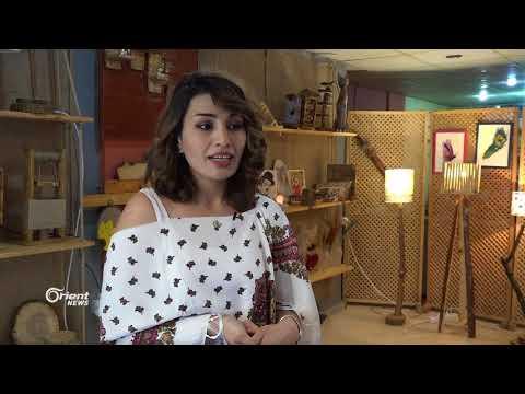 عائلة سورية في غازي عنتاب تبدع في تحويل الأخشاب إلى لوحات فنية  - 20:21-2018 / 7 / 13