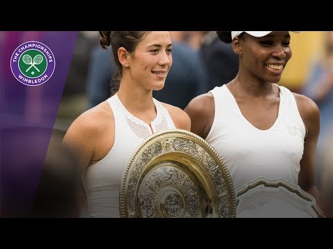 Garbiñe Muguruza and Venus Williams show off their Wimbledon 2017 trophies