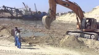 قناة السويس الجديدة : أول ضربة حفار فى الماء