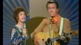 Bill Anderson & Jan Howard - Country Gold Medly of Hits