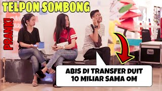 Ngakak!! Banci Berkumis Telponan Sombong Disamping Orang! - Prank Indonesia Jord