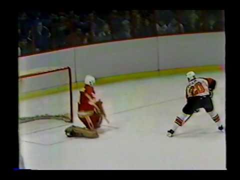 Flyers Dave Poulin SH breakaway goal vs Calgary 1/13/85