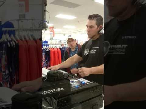 DJ Xitmint spinning Live @ the Hudson's Bay(Markville shopping Centre) - June 2017