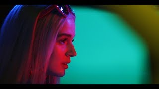 Bleach Blonde Baby (Official Video) by : Poppy