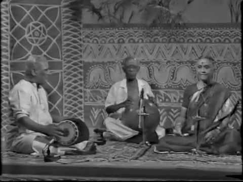 Smt Mani Krishnaswami - Shri Mahaganapathi - Gowla - Misra Chapu  Mutthuswami - Dikshitar.
