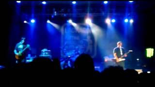 "Chris Rest interpretando ""Coconut"", Lagwagon, BiIbao 2012"