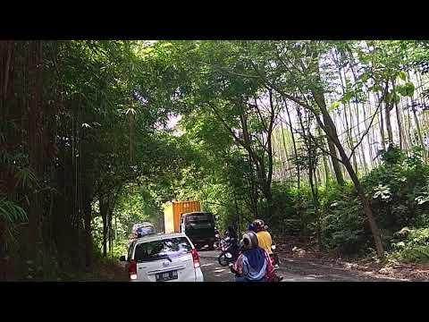 Truck Kontainer Mogok di Tanjakan