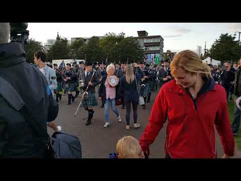 Inveraray pipe band after winning Worlds 2017