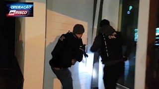 Policiais surpreendem ladrão de banco em casa de luxo