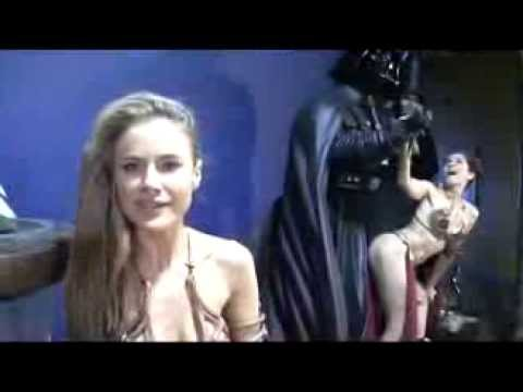 Paula Labaredas interview upstaged by Alicia Arden's ... Jabba The Hutt And Princess Leia Costume
