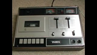 Detailed look at the Intel CD 2100 cassette deck