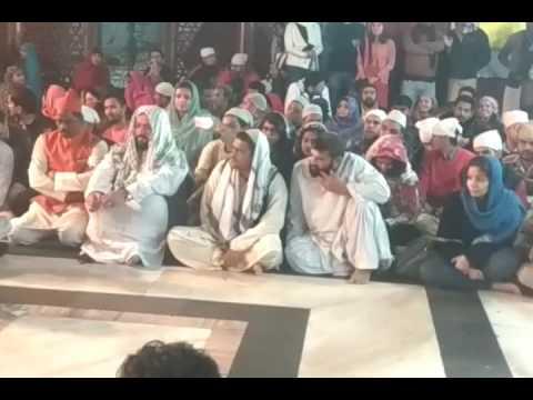Qawwali at hazrat nizamuddin by nizami qawwals(idhar bhi nigaahe karam mere khwaja)