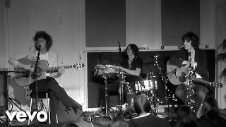 The Kooks - Naive (Live At Abbey Road / 2005 / Acoustic Version)