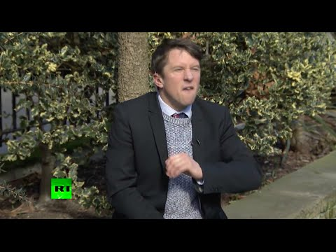 'I won't clean for the f*cking Queen' – Jonathan Pie