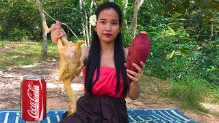 Video Primitive Beautiful Girl Roast Chicken With Coca Cola and Banana Flower Delicious Food download MP3, 3GP, MP4, WEBM, AVI, FLV Desember 2017