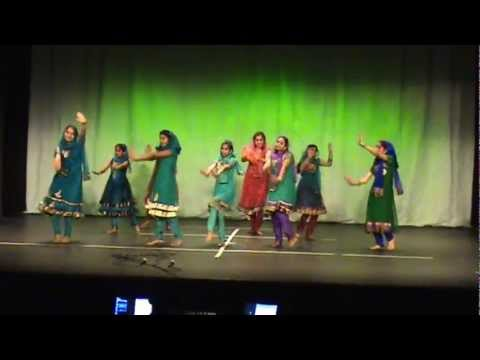 Thamara kuruvikku thattamidu - perfomed by the talents of Atlanta during AMMA's Kerala Piravi 2012