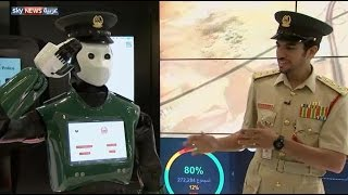 "شرطة دبي تعرض رجلاً آلياً ""فريداً"""