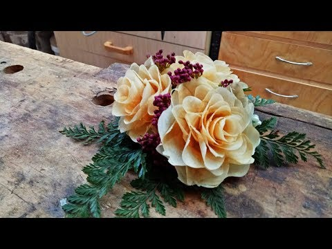 Making a corsage with wooden flowers