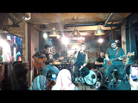 Untukmu Aku Bertahan - Afgan Syahreza live 3101201